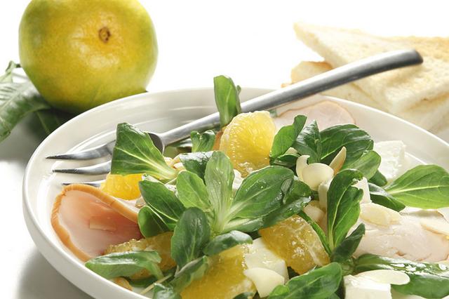 Salata s mandarinama