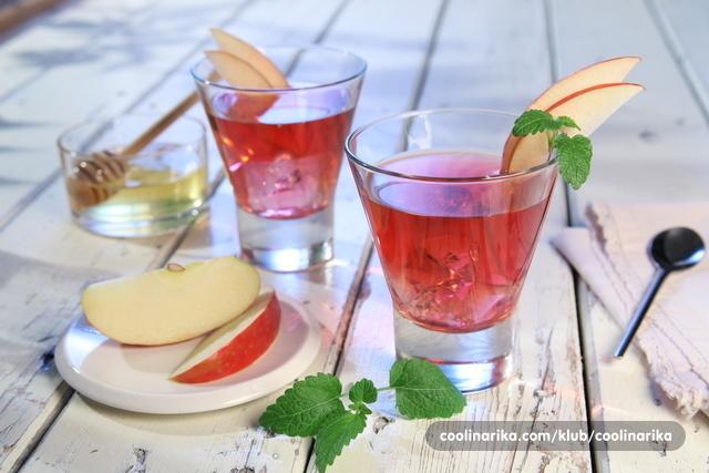 Ledeni čaj brusnica s jabukom