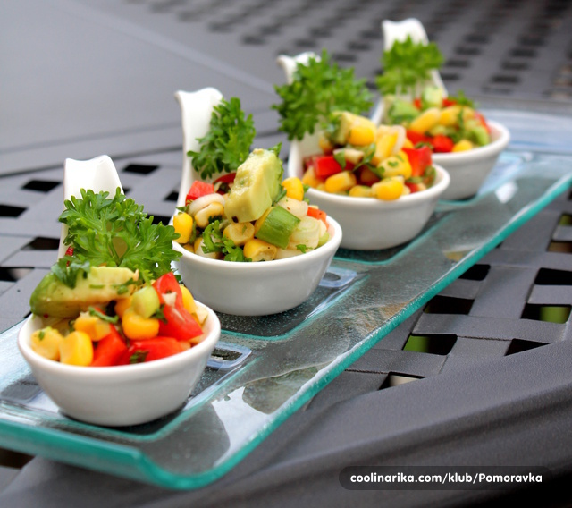 Meksička salata sa kukuruzom i avokadom