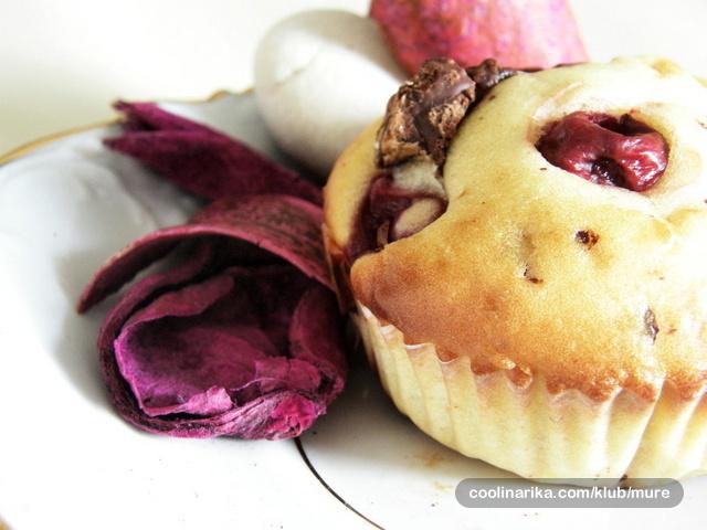 Muffini od višnje i čokolade
