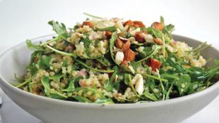 Quinoa salát s mandlemi