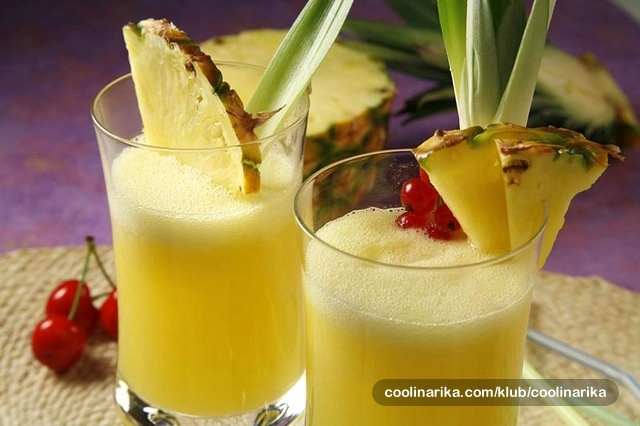 Ananas u čaši