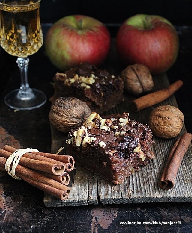 Čokoladni kolač sa rendanim jabukama od zorkazorka