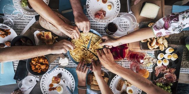 Social dining, svi vole jesti u društvu
