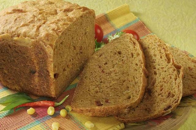 Pikantni kukuruzni kruh