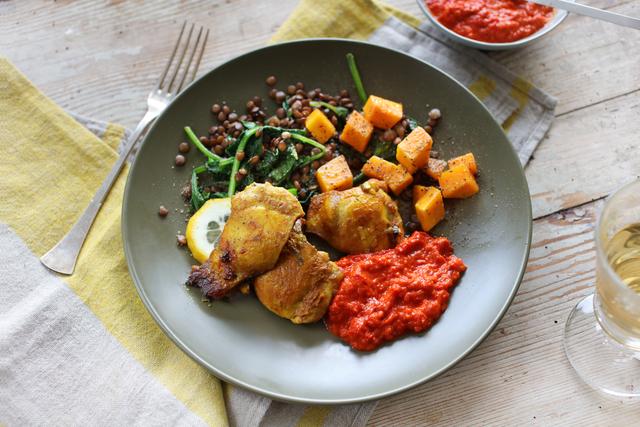 Zacinjena piletina s tikvom i povrćem