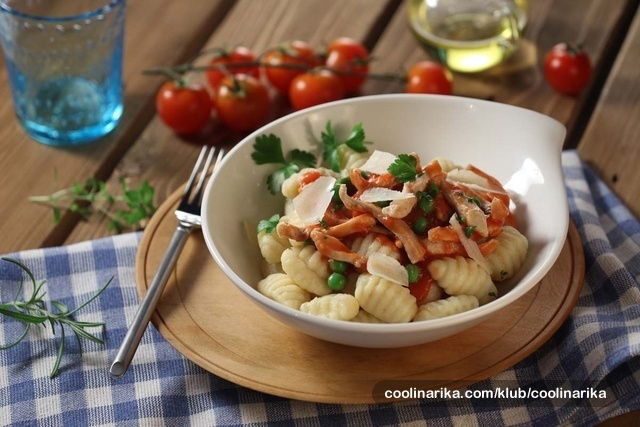 Piletina u finom mediteranskom umaku