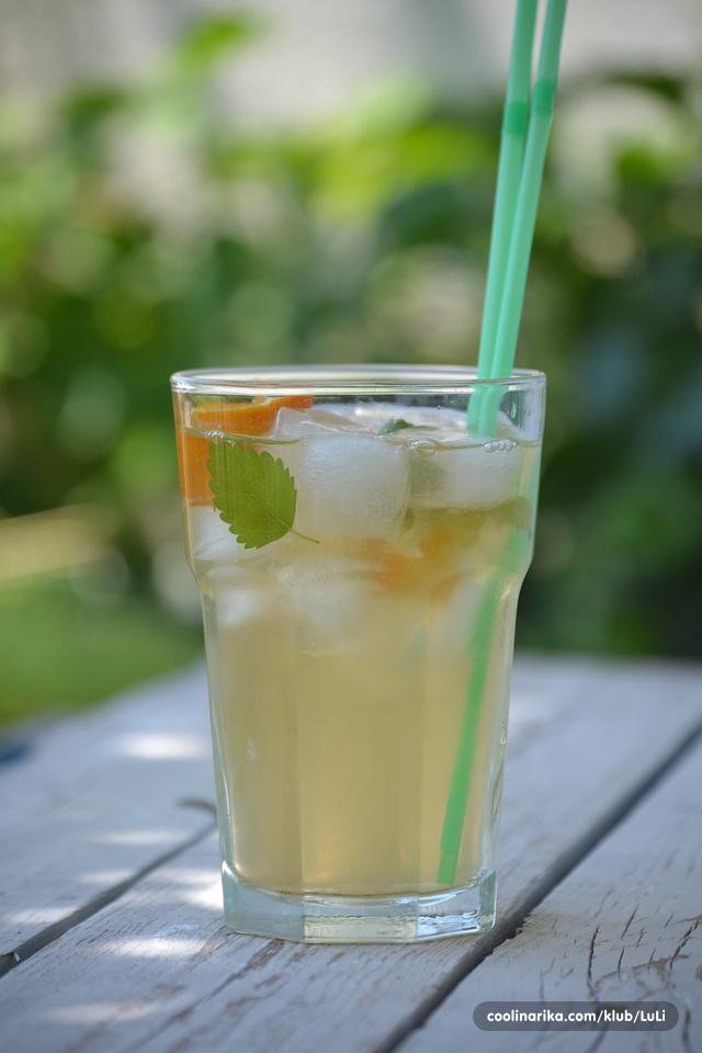 Ledeni bijeli čaj sa anisom, mentom i limunom
