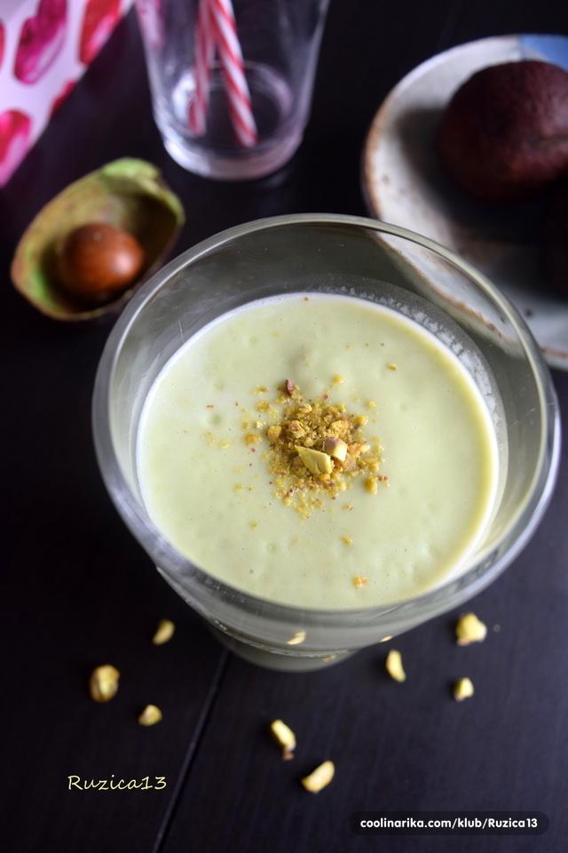 Kremasti avokado smoothie