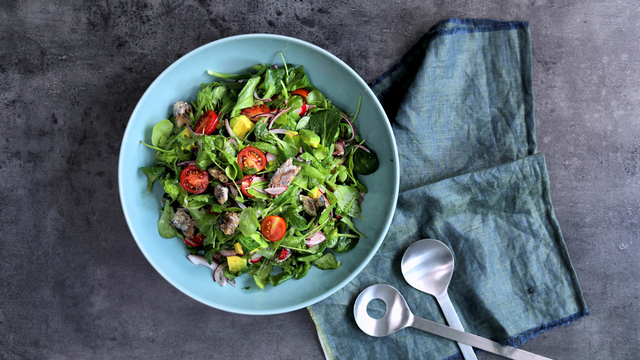 Šarena salata sa sardinama