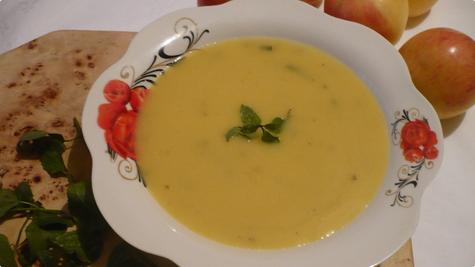 Krem juha od jabuka