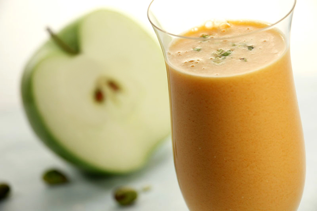 Povrtni napitak od mrkve i jabuke