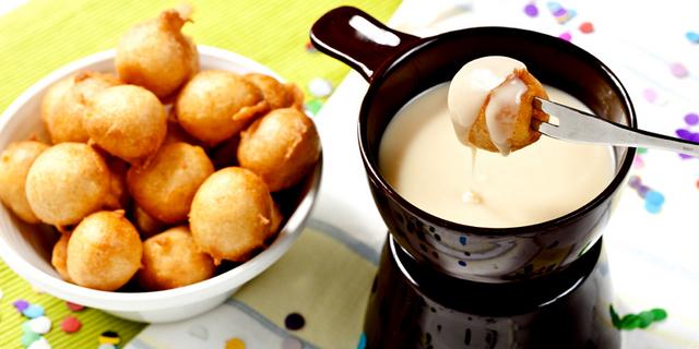 Fritule i fondue od Lino lade milk.jpg