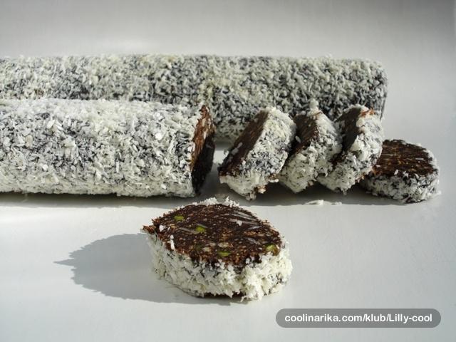 Čokoladna salama s pistacijama