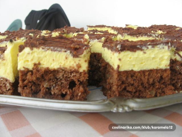 52887226c8ac4 Mokri kolač s kremom od vanilije — Coolinarika