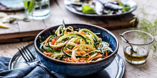 raznovrsna salata_Coolinarika