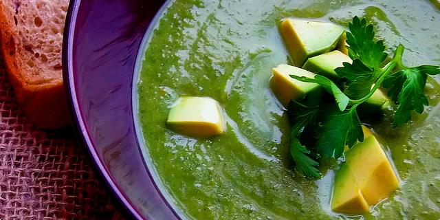 Detox juha od brokule i avokada by Martha Stewart - Mucika
