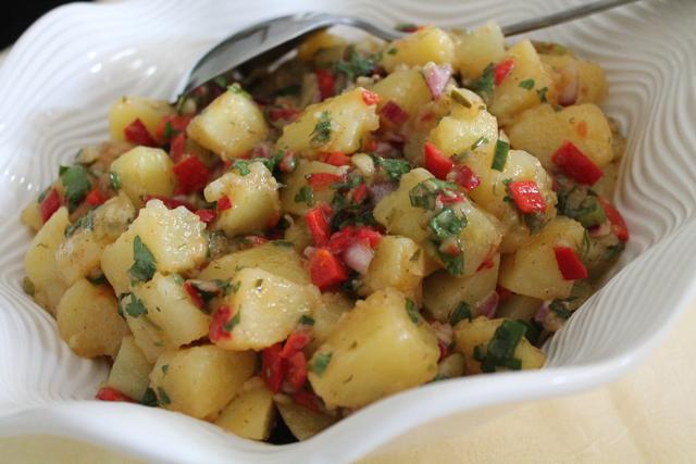 Krumpir salata sa preljevom od ukiseljenog povrca - LuAnn