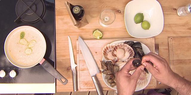 Čišćenje školjkaša prije roštilja