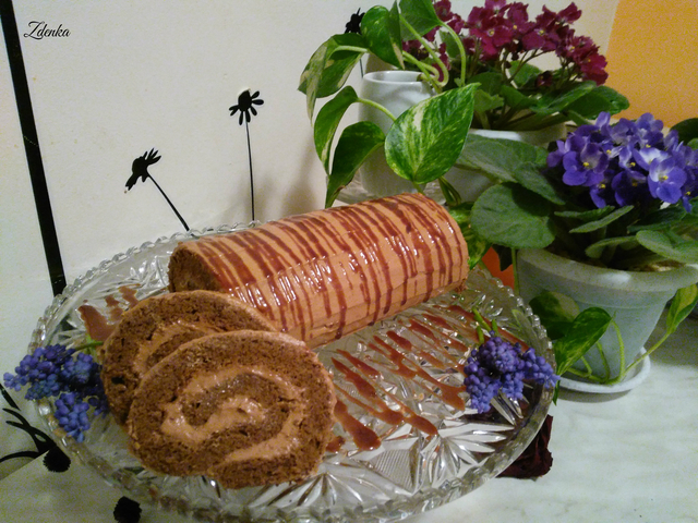 Cvetni pozdrav-Čokoladna rolada