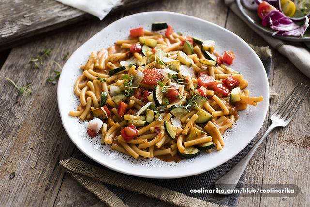 Makaroni bolognese s povrćem