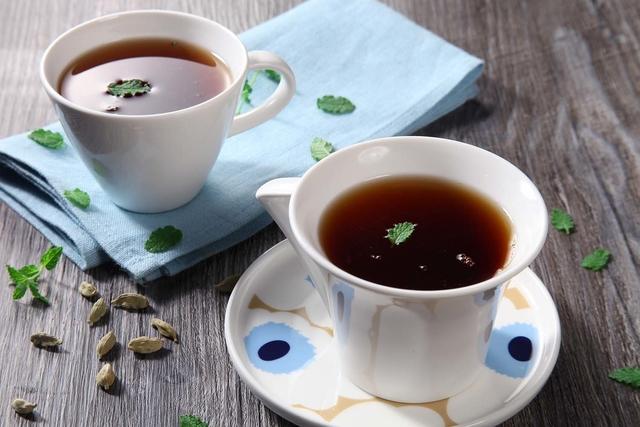 Čaj s kardamomom