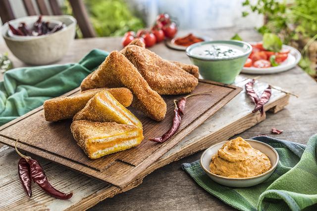 Panirani trokutići s paštetom i mozzarellom_Coolinaroka