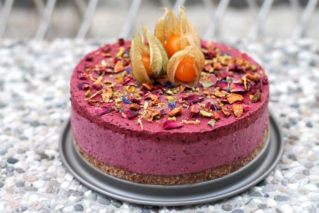 Sirova torta s šumskim voćem - KarlaSandra