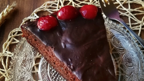 Lagani čokoladni kolač sa višnjama