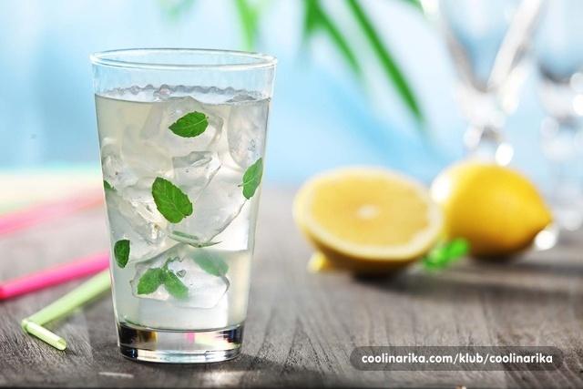 Koktel s Lero sirupom od limuna