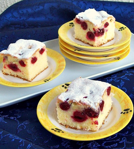 Žuti kolač s višnjama - SnezanaBG