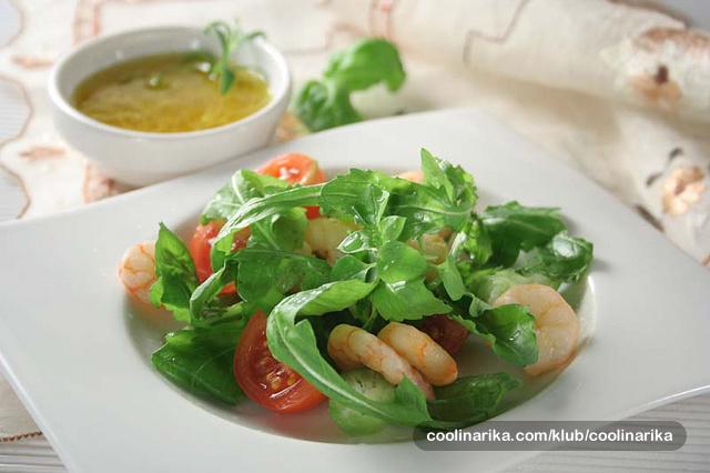Salata od kozica i rikule