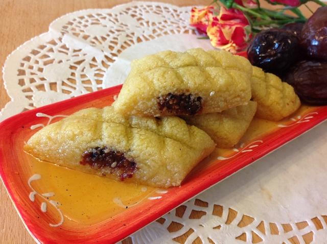 Orijentalni kolač od griza i urmi (Makrout) - Perlette
