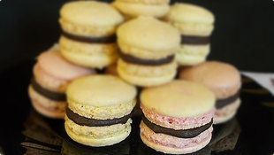 Macarons by Maksica