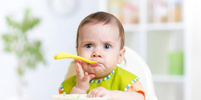 Uvođenje krutih namirnica u prehranu dojenčeta