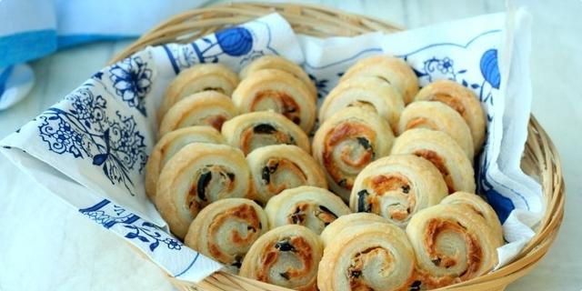 Savijače & Palmiers s feta sirom i maslinama