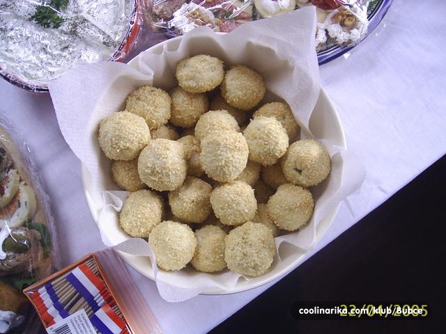 Slane bombice s maslinom