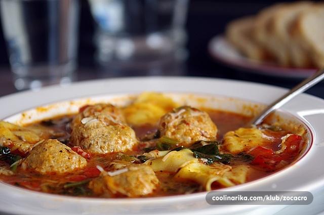 Povrtna juha sa mesnim okruglicama i tortelinima (sa sirom)!
