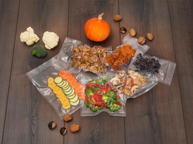 Voće i povrće koje ste vrijednim rukama uzgojili na vrtu ili kupili na obližnjoj tržnici pohranite u kvalitetnim vakuumskim vrećicama da održi dragocjene vitamine i minerale