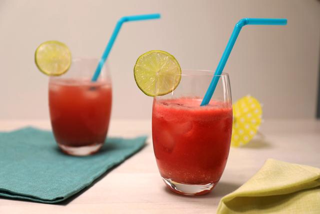 Osvježavajući koktel od zelenog čaja i lubenice