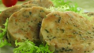 Salata uz pohano meso