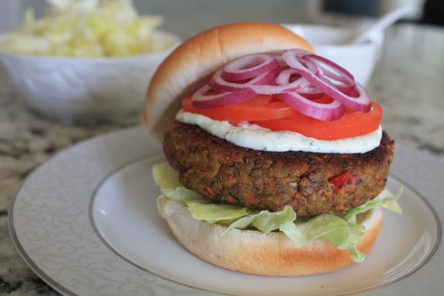 Vegetarijanski Burgeri od lece - LuAnn