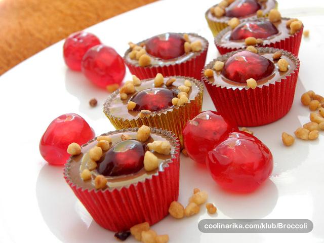 Tako jednostavno! Recept za čokoladne praline s višnjama