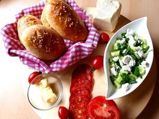 Becki hljepcici i egipatska salata