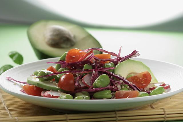 Salata s bobom
