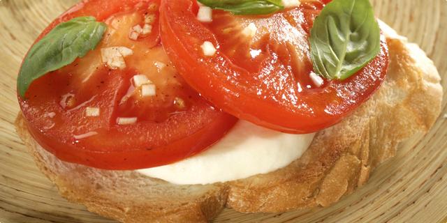 Bruskete s rajčicama