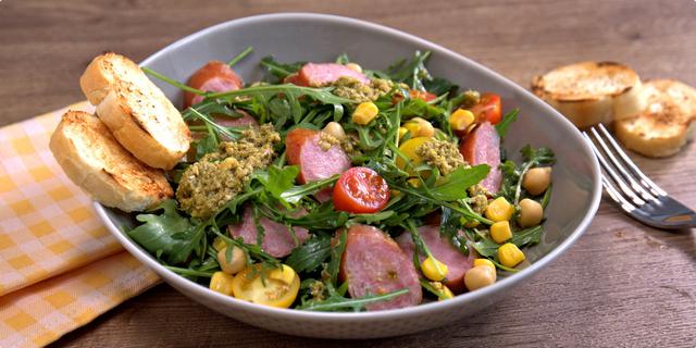 Salata od kobasica i slanutka