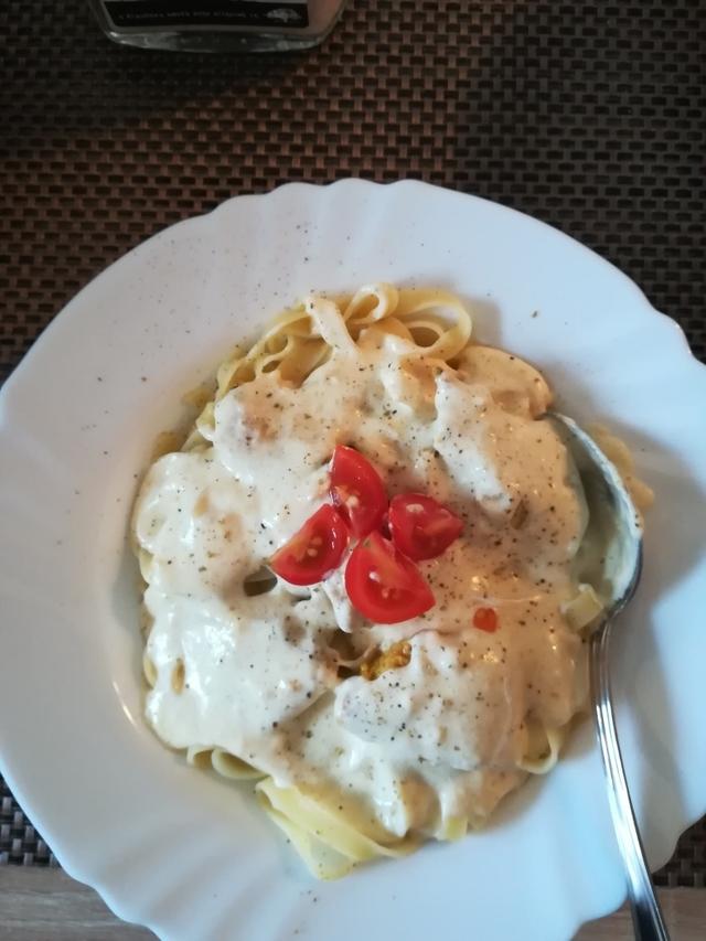 Alfredo pasta sa piletinom - Adavixi