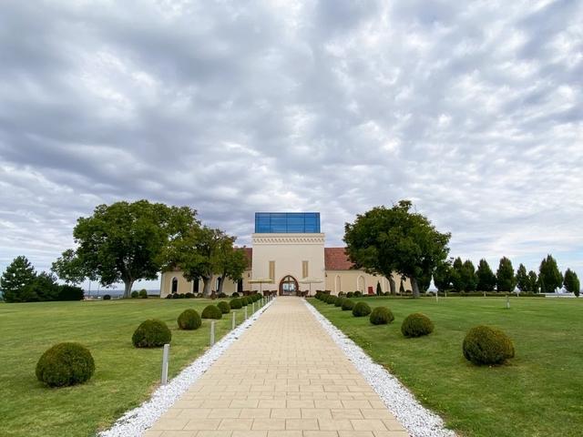 Oblaci su se posložili i ulazak u bivši dvorac je bio impresivan
