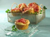 Pikantni muffini s pršutom i sirom.jpg